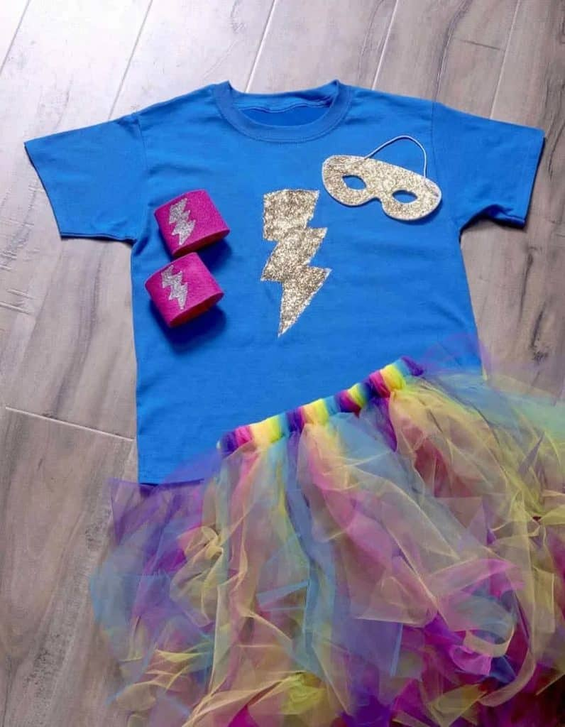 You can use what you have at home and create an amazing DIY Halloween Costume for kids on a budget! #halloween #costumes #kids