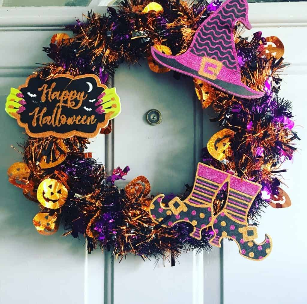 DIY Halloween decor wreath with dollar tree supplies